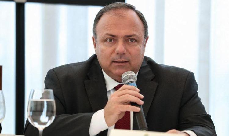 Senado convoca Pazuello a explicar testes para Covid-19 não distribuídos à rede pública