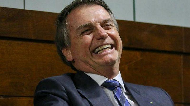 Bolsonaro veta projeto que facilitaria acesso de pacientes a remédios orais contra câncer