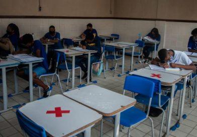 Rede estadual de ensino da Bahia retoma aulas semipresenciais com protocolos